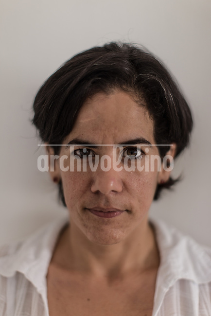 Cuban political opositor Ailer Gonzalez.Once more Cubans are experimenting deep turns in their scattered economy. A photo essay by Lorenzo Moscia with available story by Colette Rodriguez Marcano.las calles de La Habana con humorismo y ganas de vivir.
