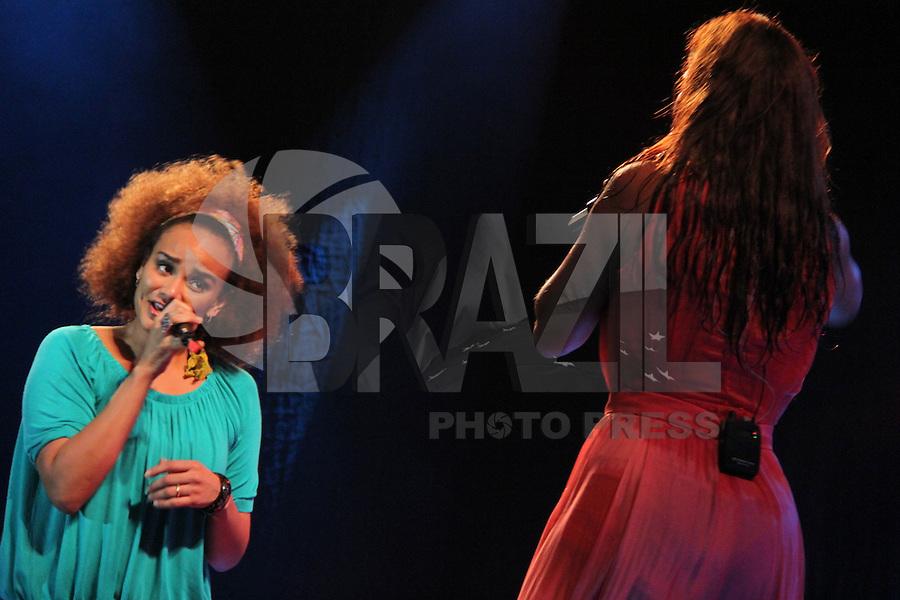 GUARUJA, SP, 08 DE JANEIRO 2012. VERAO SHOW GUARUJA- A cantora Luciana Mello, em participacao no show da cantora Ivete Sangalo, no Verao Show do Guaruja, no Ginasio Guaibe, no Guaruja, na noite deste sabado, 7. FOTO MILENE CARDOSO - NEWS FREE