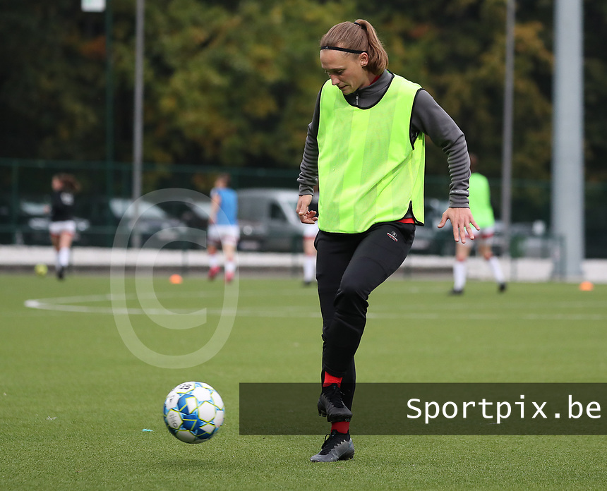Clotilde Codden of Woluwewith the ball before a female soccer game between Oud Heverlee Leuven and Femina White Star Woluwe  on the 5 th matchday of the 2020 - 2021 season of Belgian Womens Super League , Sunday 18 th of October 2020  in Heverlee , Belgium . PHOTO SPORTPIX.BE | SPP | SEVIL OKTEM
