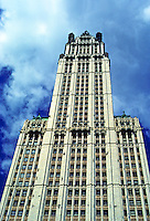New York: Woolworth Building, 1913. Cass Gilbert, architect. Photo '78.