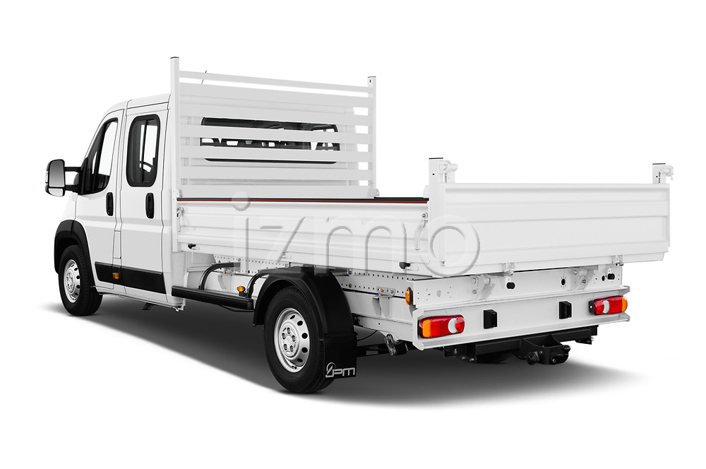 Car pictures of rear three quarter view of 2019 Citroen Jumper - 4 Door Chassis Cab Angular Rear