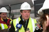 James Cherry, Director , Aeroport de Montreal (ADM) visit the site the construction The new international jetty construction site at Montréal-<br /> Pierre Elliott Trudeau International Airport (YUL) in February 2004.<br /> <br /> Contruction de la nouvelle jetée de l'aéroport Pierre E Trudeau (YUL) Février 2004<br /> photo : (c) images Distribution