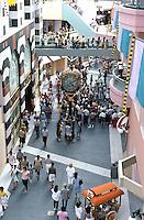 Jon Jerde: Horton Plaza, San Diego. Jessop Clock in center. (Photo '88)