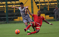 BOGOTA -COLOMBIA, 12-03-2017. Diego Gomez (L) player  of Tigres FC fights the ball  agaisnt of Fabian Viafara player of Rionegro during match for the date 9 of the Aguila League I 2017 played at Metropolitano de Techo stadium . Photo:VizzorImage / Felipe Caicedo  / Staff