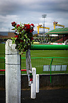 Glentoran 2 Cliftonville 1, 22/10/2016. The Oval, NIFL Premiership. A commemorative bouquet on a crush barrier on the home terracing at The Oval, Belfast, pictured before Glentoran hosted city-rivals Cliftonville in an NIFL Premiership match. Glentoran, formed in 1892, have been based at The Oval since their formation and are historically one of Northern Ireland's 'big two' football clubs. They had an unprecendentally bad start to the 2016-17 league campaign, but came from behind to win this fixture 2-1, watched by a crowd of 1872. Photo by Colin McPherson.