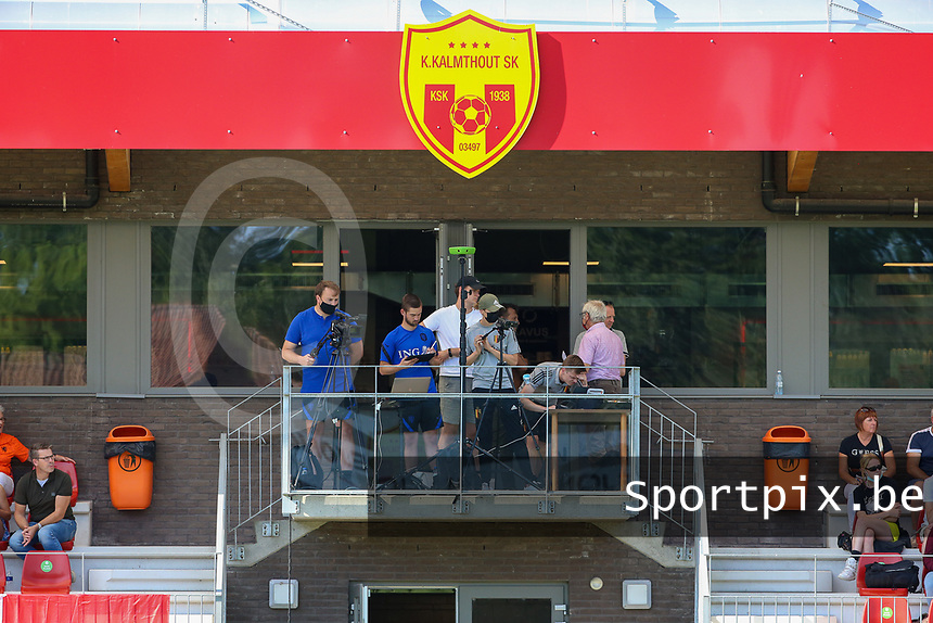 Illustration picture shows the video analysts during an international friendly female soccer game between the national teams of Belgium , called the Red Flames U17 and the Netherlands on Wednesday 8th of September 2020  in Kalmthout , Belgium . PHOTO SPORTPIX.BE | SPP | SEVIL OKTEM