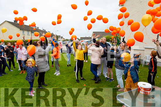 Releasing the Comfort for Chemo balloons in Casements Avenue, Ardfert on Sunday evening.