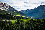 Italien, Suedtirol, Dolomiten, bei St. Vigil in Enneberg, Curt mit Filialkirche - Ort im Rautal, Nebental des Gadertals | Italy, South Tyrol, Alto Adige, Dolomites, near San Vigilio di Marebbe, Corte with subsidiary church - village at Valle di Tamores, tributary valley of Val Badia