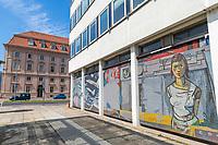 """Glasmosaik """"Der Mensch bezwingt den Kosmos"""", Künstler Fritz Eisel, Rechenzentrum, Potsdam, Brandenburg"""