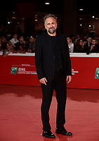 L'attore Massimo Popolizio posa durante il red carpet per la presentazione del film 'Il Ladro di giorni' alla 14^ Festa del Cinema di Roma all'Aufditorium Parco della Musica di Roma, 20 ottobre 2019.<br /> Italian actor Massimo Popolizio poses on the red carpet to present the movie 'Il Ladro di giorni'  during the 14^ Rome Film Fest at Rome's Auditorium, on 20 October 2019.<br /> UPDATE IMAGES PRESS/Isabella Bonotto