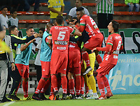 MEDELLÍN - COLOMBIA, 30-08-2017: Jugadores de Patriotas de Boyáca celebran su clasificación a la semifinal de la Copa Aguila , su próximo contendor será el Atletico Junior. Atlético Nacional y de Patriotas de Boyacá  durante el partido de vuelta entre Atlético Nacional y Patriotas de Boyacá por los cuartos de final de la Copa Águila 2017 jugado en el estadio Atanasio Girardot de la ciudad de Medellín. /Players of Patriotas de Boyáca celebrate their qualification to the semifinal of the Aguila Cup, their next contender will be the Atletico Junior. Atlético Nacional  and Patriotas de Boyaca during match for the finals quater of the Aguila Cup 2017 played at Atanasio Girardot stadium in Medellin city. Photo: VizzorImage/ León Monsalve / Cont