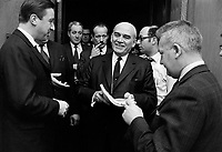 Paul Dozois: ministre des Finances, ministre des Institutions financières <br /> Entre le 25 et le 31 mars 1968<br /> <br /> Photographe : Photo Moderne