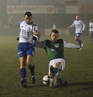 KM Torhout - KSV Temse..duel tussen Geert De Wilde (links) en Bjorn Derycke (rechts)..foto VDB / BART VANDENBROUCKE