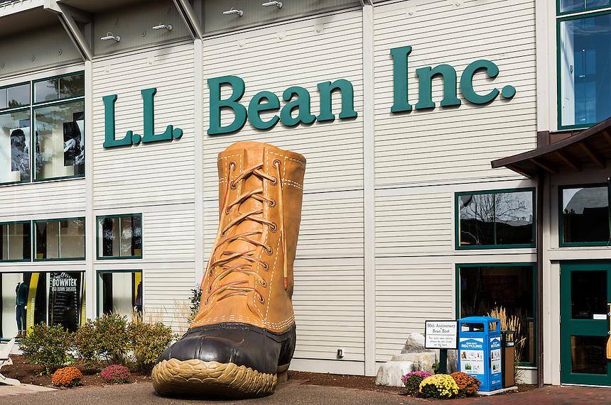 LL Bean flagship store, Freport, Maine, USA.