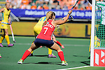 The Hague, Netherlands, June 12: Kelsey Kolojejchick #7 of USA tries to score during the first half during the field hockey semi-final match (Women) between USA and Australia on June 12, 2014 during the World Cup 2014 at Kyocera Stadium in The Hague, Netherlands. Final score after full time 2-2 (0-1). Score after shoot-out 1-3. (Photo by Dirk Markgraf / www.265-images.com) *** Local caption ***