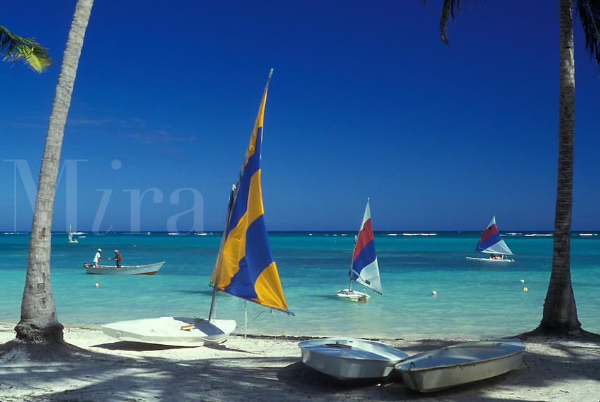 AJ2322, Dominican Republic, resort, Caribbean, Caribbean Islands, Punta Cana, Picturesque view of sailboats on the Atlantic Ocean from Punta Cana Beach Resort in Punta Cana in the Dominican Republic.