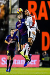 Gerard Pique Bernabeu of FC Barcelona (L) heads the ball as he competes for the ball with Alexander Alegria Moreno, Alex Alegria, of Rayo Vallecano during the La Liga 2018-19 match between Rayo Vallecano and FC Barcelona at Estadio de Vallecas, on November 03 2018 in Madrid, Spain. Photo by Diego Gouto / Power Sport Images