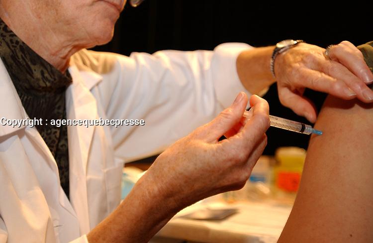 FILE -  vaccin meningite<br /> <br /> PHOTO :  Jacques Pharand<br />  - Agence Quebec Presse
