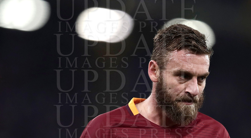Calcio, ottavi di finale di Tim Cup: Roma vs Sampdoria. Roma, stadio Olimpico, 19 gennaio 2017.<br /> Roma's Daniele De Rossi reacts during the Italian Cup round of 16 football match between Roma and Sampdoria at Rome's Olympic stadium, 19 January 2017.<br /> UPDATE IMAGES PRESS/Isabella Bonotto