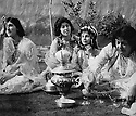 Iraq 1963 .Kurdish Women drinking tea in a garden of  Koysanjak.Irak 1963.Femmes kurdes buvant du the dans un jardin de Koysanjak