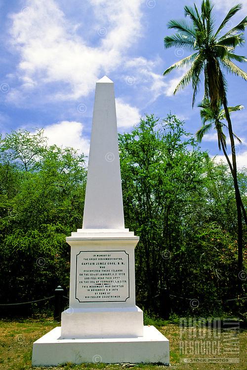 Monument to Captain James Cook at Kealakekua Bay