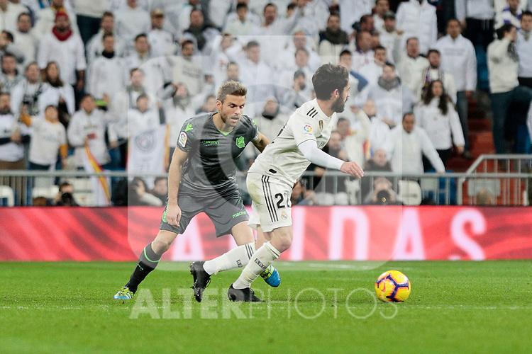 Real Madrid's Francisco Alarcon 'Isco' and Real Sociedad's Asier Illarramendi during La Liga match between Real Madrid and Real Sociedad at Santiago Bernabeu Stadium in Madrid, Spain. January 06, 2019. (ALTERPHOTOS/A. Perez Meca)<br />  (ALTERPHOTOS/A. Perez Meca)