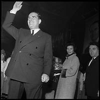17 Décembre 1965. Vue de François Mitterand lors d'un discours à Toulouse.