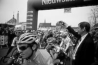Nokere Koerse 2012.hope those are blanks mr mayor...