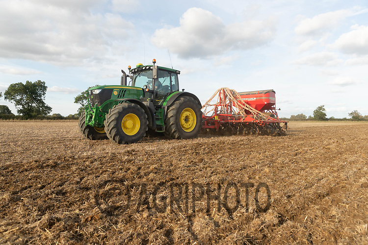 10-10-2021 Direct drilling Winter Barleyt in Lincolnshire <br /> ©Tim Scrivener Photographer 07850 303986<br />      ....Covering Agriculture In The UK....