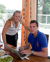 23-06-10, Tennis, England, Wimbledon, Caroline Wozniacki photoshoot, Caroline with her brother Patrik at their house in Wimbledon