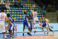Kwame Vaughn (Fraport Skyliners) und Mike Morrison (Fraport Skyliners) verteidigen gegen Petr Benda (CZE Nymburk) - 08.112016: Fraport Skyliners vs. CEZ Nymburk, BCL, Fraport Arena Frankfurt
