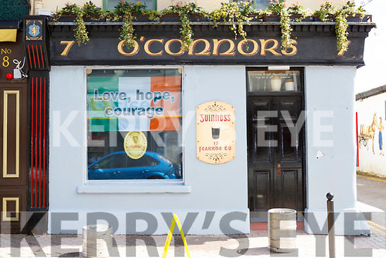 O'Connors bar sign