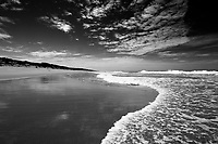 Monochrome_Shoreline