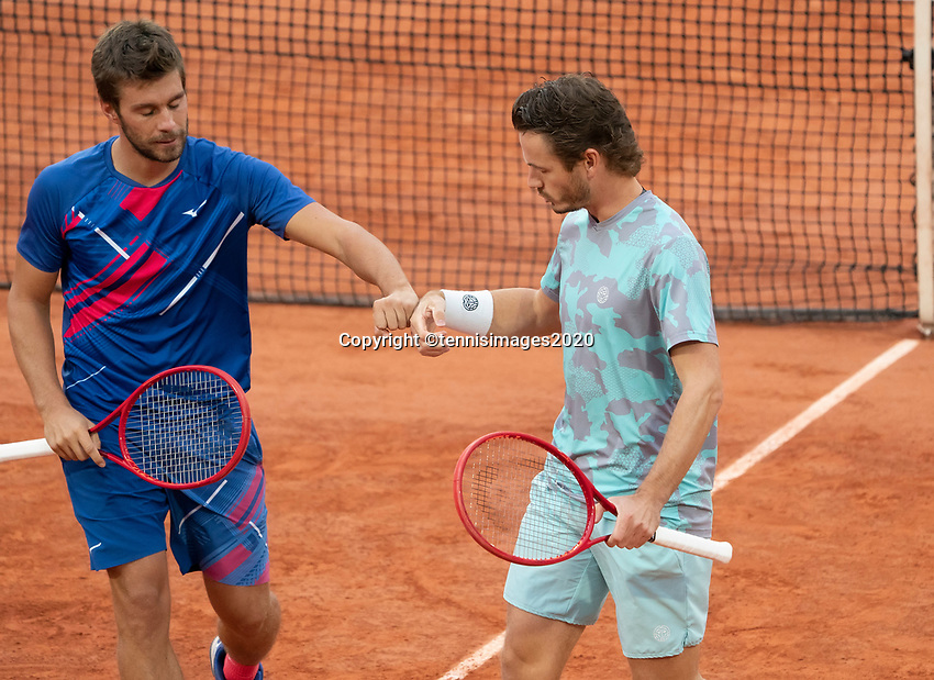 Paris, France, 06 /10/ 2020, Tennis, French Open, Roland Garros, Doubles quarter final : Wesley Koolhof (NED)  (R) and Nikola Mektic  (CRO)<br /> Photo: Susan Mullane/tennisimages.com