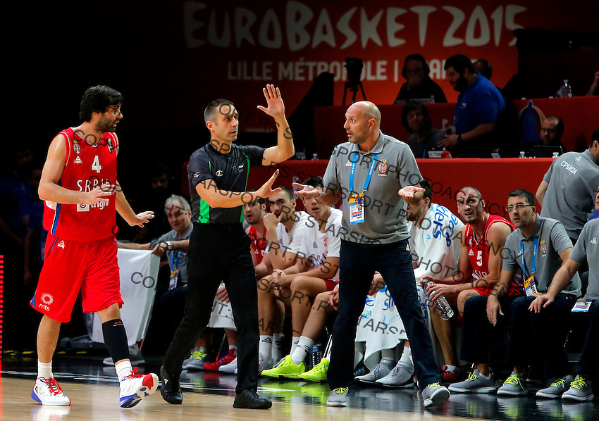 Serbia's national basketball team head coach Aleksandar Djordjevic reacts during European championship basketball match for third place between France and Serbia on September 20, 2015 in Lille, France  (credit image & photo: Pedja Milosavljevic / STARSPORT)