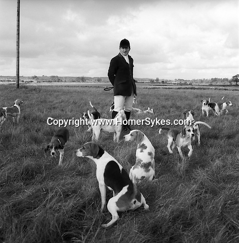 The Dummer Beagles. Steven Duckmanton, huntsman, and the only full time member of staff. The Dummer traditionally hunt a bitch-only pack, as they are considered faster and more biddable. Manor Farm, Upper Slaughter, Gloucestershire..