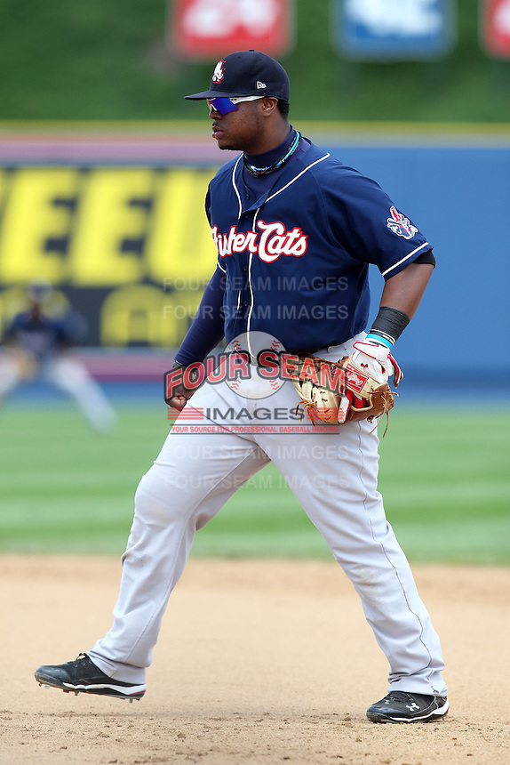 New Hampshire Fisher Cats first baseman Mike McDade #40 during a game against the Reading Phillies at FirstEnergy Stadium on May 5, 2011 in Reading, Pennsylvania.  New Hampshire defeated Reading by the score of 10-5.  Photo By Mike Janes/Four Seam Images