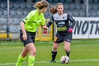 Valentine Hannecart (8) of Eendracht Aalst pictured during a female soccer game between Eendracht Aalst and OHL on the 13 th matchday of the 2020 - 2021 season of Belgian Scooore Womens Super League , Saturday 6 th of February 2021  in Aalst , Belgium . PHOTO SPORTPIX.BE | SPP | STIJN AUDOOREN