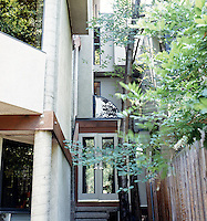 One of the greatest architects in America, Tassos Katselas,  built his house in Pittsburgh Pennsylania where he was born and raised.