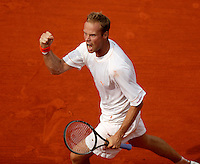 20030603, Paris, Tennis, Roland Garros, Martin Verkerk schreewt het uit in zijn partij tegen Moya