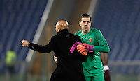 Calcio, Serie A: Roma vs ChievoVerona. Roma, stadio Olimpico, 22 settembre 2016.<br /> Roma's coach Luciano Spalletti, left, celebrates with goalkeeper Wojciech Szczesny at the end of the Italian Serie A football match between Roma and Chievo Verona, at Rome's Olympic stadium, 22 December 2016. Roma won 3-1.<br /> UPDATE IMAGES PRESS/Isabella Bonotto