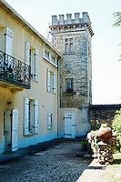 chateau la tour bichot graves bordeaux france