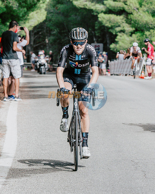 Michael Storer (AUS) Team DSM attacks from the breakaway during Stage 10 of La Vuelta d'Espana 2021, running 189km from Roquetas de Mar to Rincón de la Victoria, Spain. 24th August 2021.     <br /> Picture: Cxcling | Cyclefile<br /> <br /> All photos usage must carry mandatory copyright credit (© Cyclefile | Cxcling)