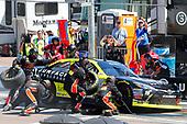 2017 NASCAR Xfinity Series<br /> DC Solar 200<br /> Phoenix International Raceway, Avondale, AZ USA<br /> Saturday 18 March 2017<br /> Matt Tifft, Surface Sunscreen / Tunity / Braingear Toyota Camry pit stop<br /> World Copyright: Russell LaBounty/LAT Images<br /> ref: Digital Image 17PHX1rl_4850