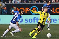 Marco Reus (Borussia Dortmund) gegen Hamit Altintop (SV Darmstadt 98)- 11.02.2017: SV Darmstadt 98 vs. Borussia Dortmund, Johnny Heimes Stadion am Boellenfalltor