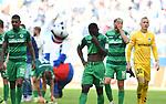 05.10.2019,  GER; 2. FBL, Hamburger SV vs SpVgg Greuther Fuerth ,DFL REGULATIONS PROHIBIT ANY USE OF PHOTOGRAPHS AS IMAGE SEQUENCES AND/OR QUASI-VIDEO, im Bild die Mannschaft von Fuerth laesst die Koepfe haengen nach der Niederlage Foto © nordphoto / Witke *** Local Caption ***