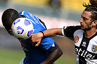 Kalidou Koulibaly of SSC Napoli and Jacopo Dezi of Parma Calcio 1913 compete for the ball during the Serie A football match between Parma Calcio 1913 and SSC Napoli at Ennio Tardini stadium in Parma (Italy), September 20th, 2020. Photo Andrea Staccioli / Insidefoto