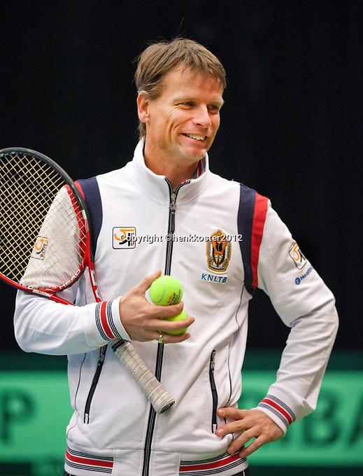 06-02-12, Netherlands,Tennis, Den Bosch, Daviscup Netherlands-Finland, Training, Captain Jan Siemerink