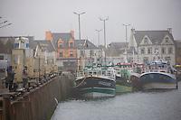 France, Bretagne, (29), Finistère, Penmarch, Saint-Guénolé: le port de pêche