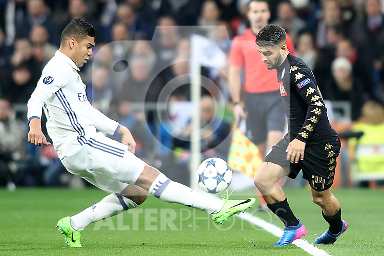 Real Madrid's Carlos Henrique Casemiro (l) and SSC Napoli's Lorenzo Insigne during Champions League 2016/2017 Round of 16 1st leg match. February 15,2017. (ALTERPHOTOS/Acero)